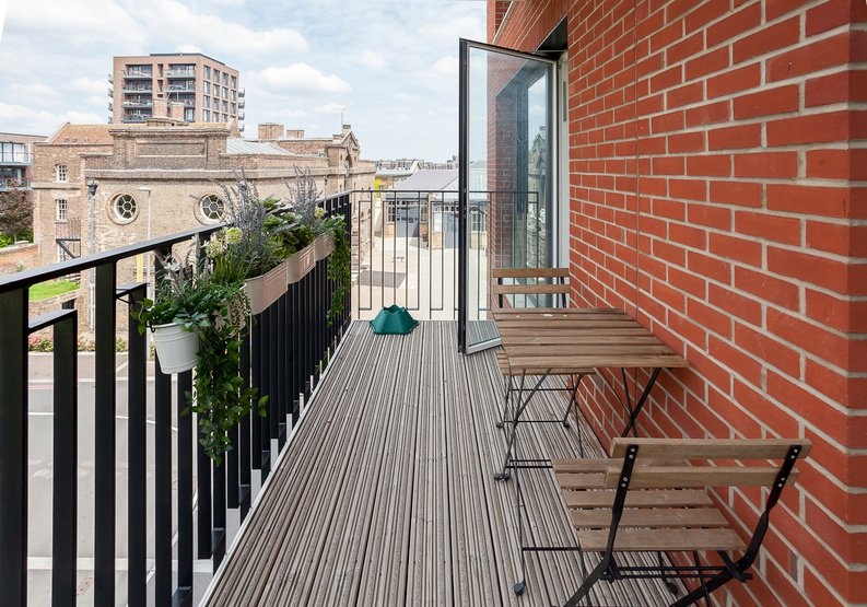 2 bedroom(s) apartment to sale in Tyger House, New Warren Lane, London-image 2