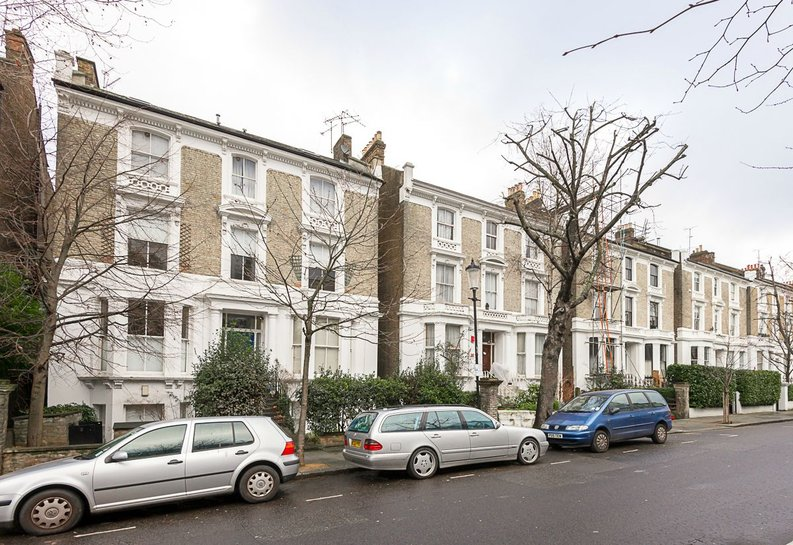 1 bedroom(s) apartment to sale in Oxford Gardens, London-image 1