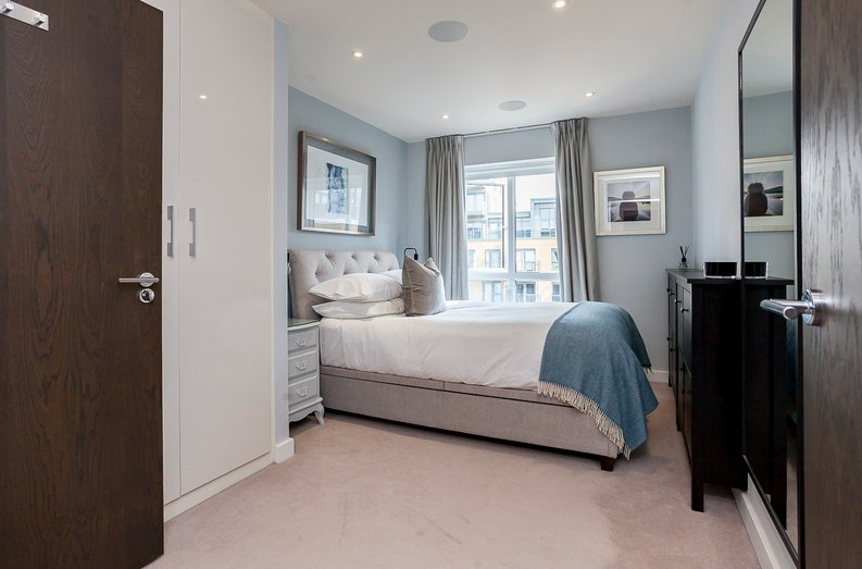 2 bedroom(s) apartment to sale in Constantine House, Boulevard Drive, Beaufort Park, Colindale-image 5