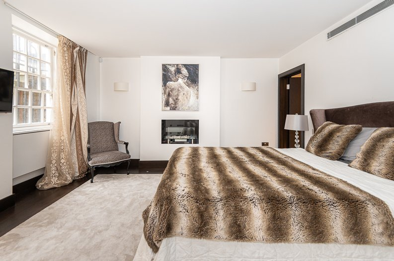 2 bedroom(s) apartment to sale in Park Street, Mayfair, London-image 22