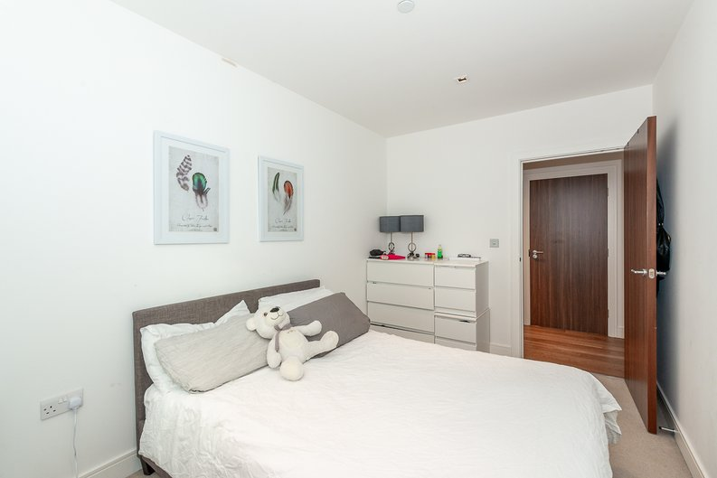 2 bedroom(s) apartment to sale in Dashwood House, Dickens Yard, Longfield Avenue, Ealing, London-image 4