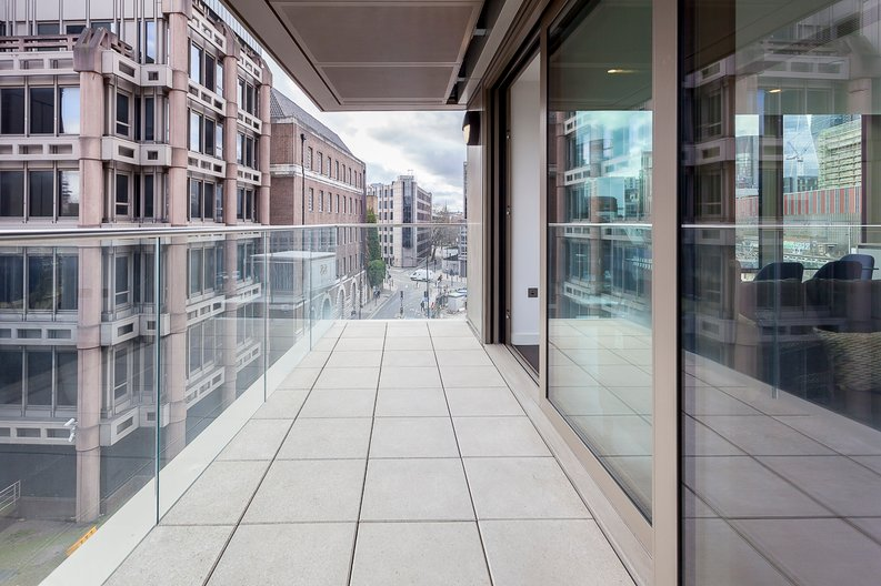2 bedroom(s) apartment to sale in Rosemary Place, 85 Royal Mint Street, Tower Hill, London-image 2