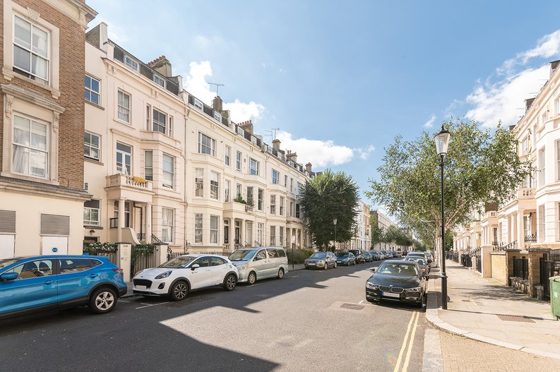 1 bedroom(s) apartment to sale in Earls Court Road, Earls Court, London-image 5