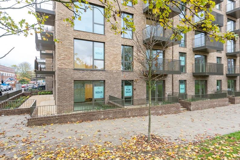 1 bedroom(s) apartment to sale in Nautilus House, West Row, Ladbroke Grove, London-image 2