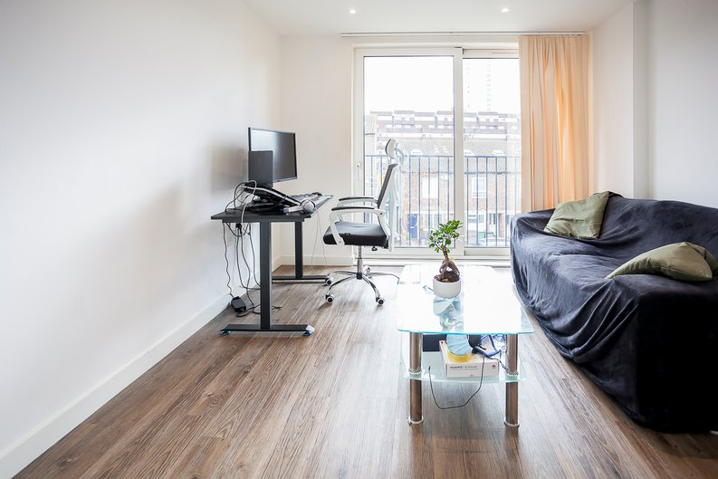 1 bedroom(s) apartment to sale in Baroque Gardens, Mary Rose Square, Surrey Quays-image 5