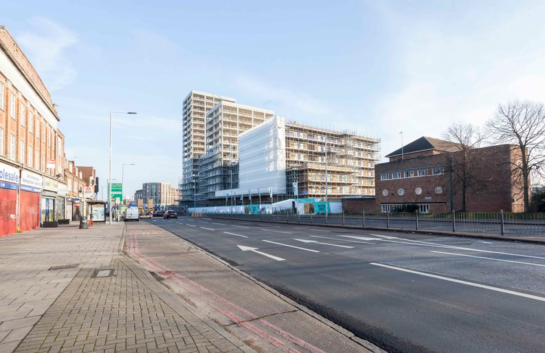 2 bedroom(s) apartment to sale in Western Circus, Acton, London-image 3