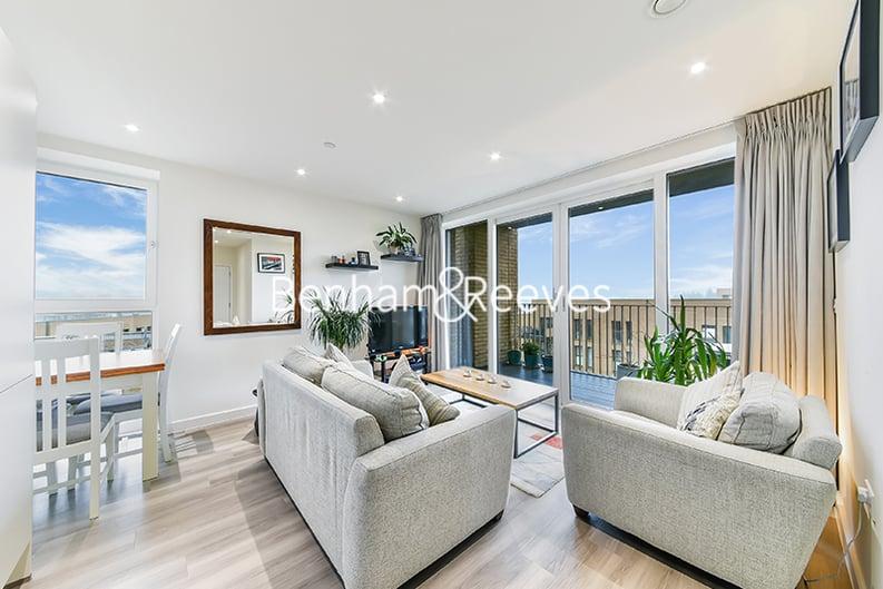 2 bedroom(s) apartment to sale in Moorhen Drive, Hendon, London-image 12