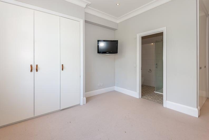 2 bedroom(s) apartment to sale in Eldon Grove, Hampstead, London-image 10
