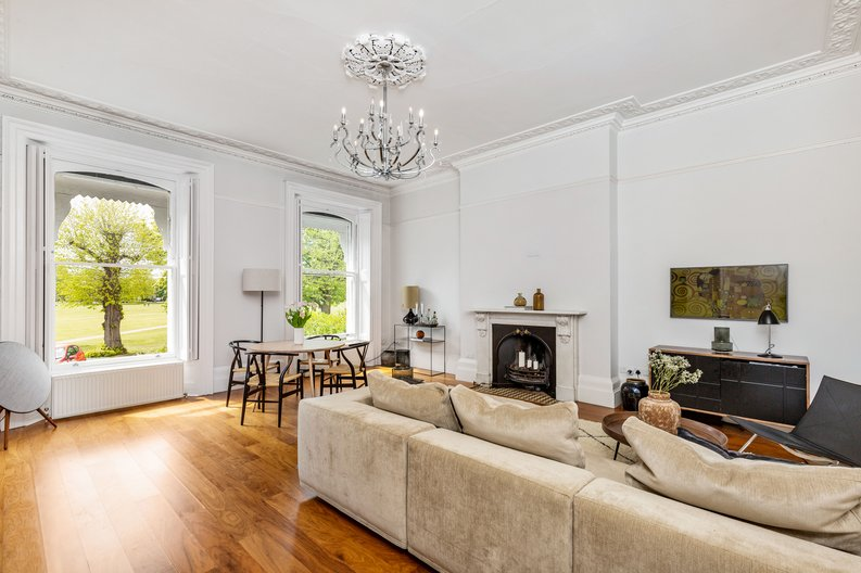 2 bedroom(s) apartment to sale in The Green, Surrey, Richmond-image 19