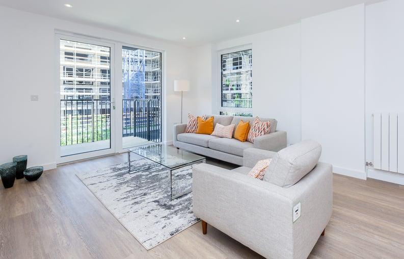 3 bedroom(s) apartment to sale in Endeavour House, Ashton Reach, Surrey Quay, London-image 3