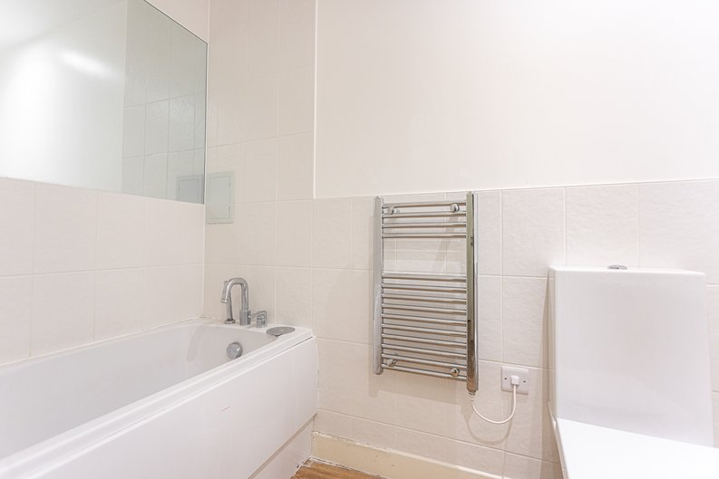 3 bedroom(s) apartment to sale in Sunflower Court, Seven Sisters Road, Finsbury Park, London-image 11