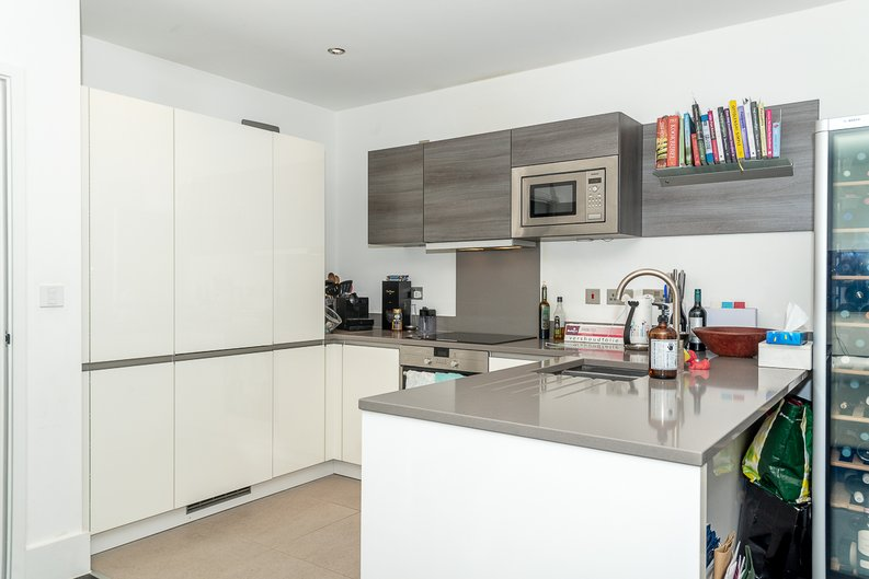 2 bedroom(s) apartment to sale in Bonchurch Road, Notting Hill , London-image 14