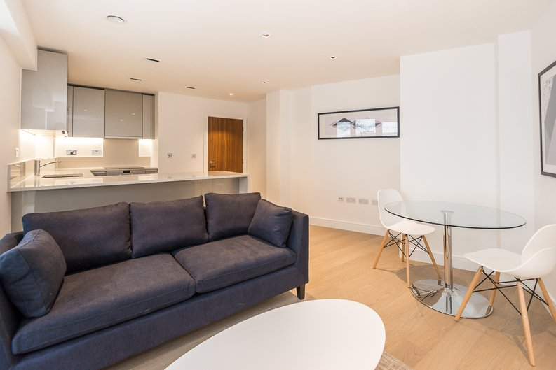 1 bedroom(s) to sale in Fitzroy House, Dickens Yard, Ealing, London-image 1
