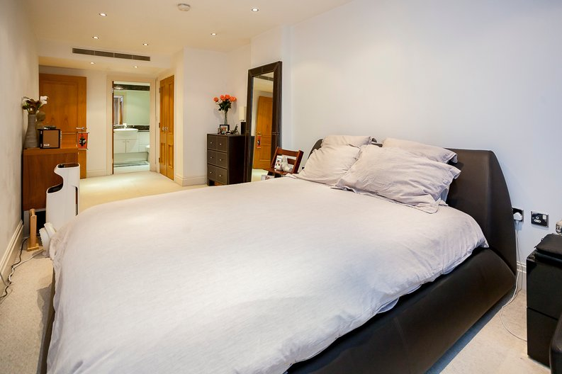 2 bedroom(s) apartment to sale in Chelsea Vista, Imperial Wharf, Fulham-image 18