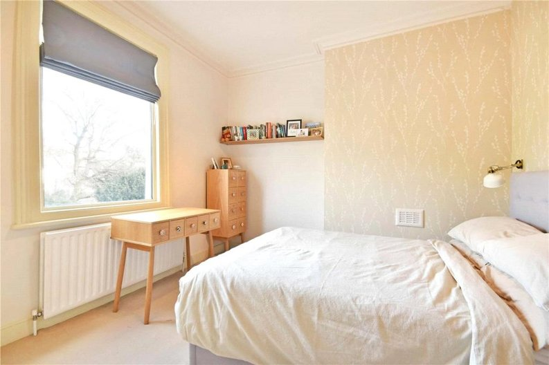 2 bedroom(s) apartment to sale in Claremont Road, Cricklewood, London-image 11