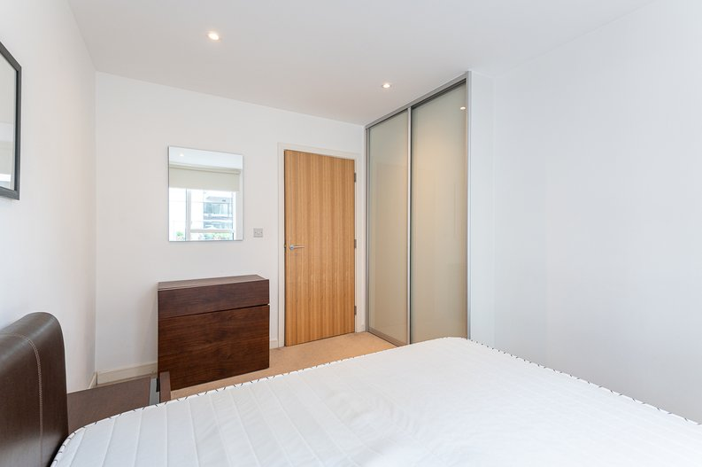 1 bedroom(s) apartment to sale in Waterside Apartments, Goodchild Road, Woodbury Down, London-image 14