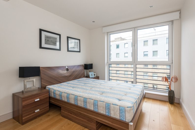 2 bedroom(s) apartment to sale in Octavia House, 213 Townmead Road, Imperial Wharf-image 7