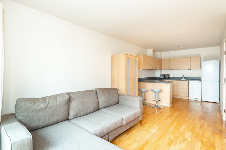 1 bedroom(s) apartment to sale in Arctic House, Heritage Avenue, Beaufort Park, Colindale-image 3