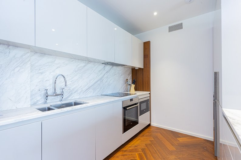 1 bedroom(s) apartment to sale in Ambassador Building, New Union Square, Nine Elms-image 3