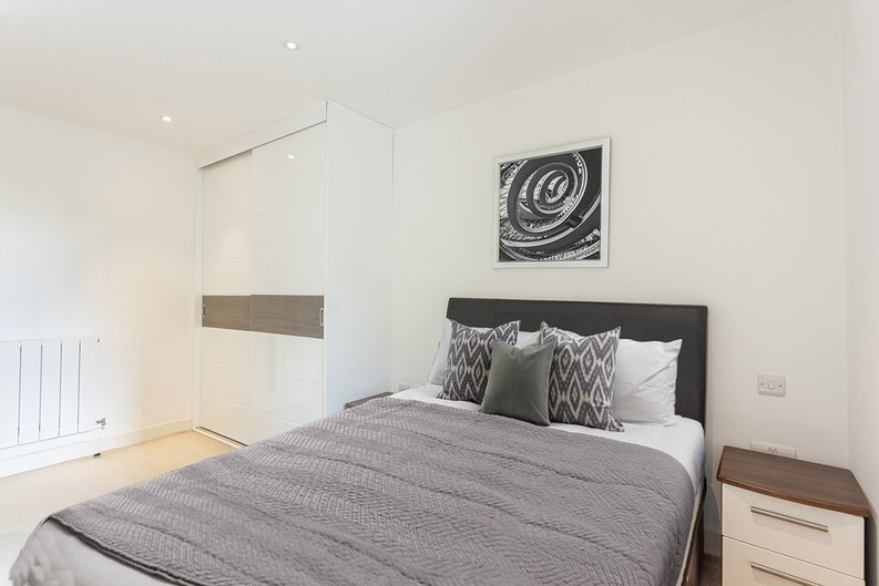 1 bedroom(s) apartment to sale in Seafarer Way, Surrey Quays, London-image 8