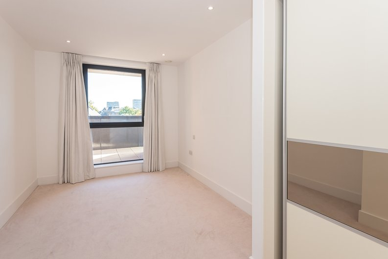 1 bedroom(s) apartment to sale in Butler House, 6 Dixon Butler Mews, London-image 6