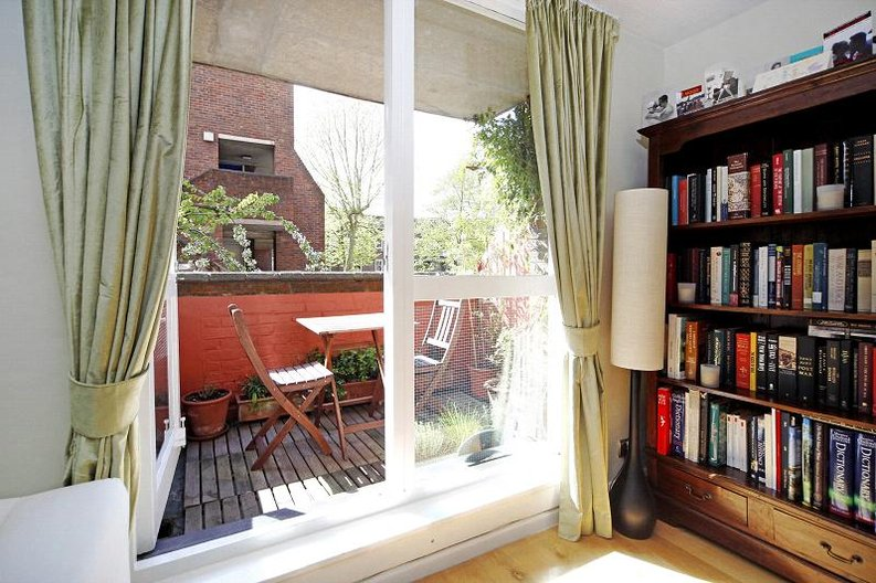 3 bedroom(s) apartment to sale in Anglebury House, Talbot Road, Notting Hill-image 10