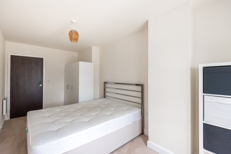 2 bedroom(s) apartment to sale in Claremont House, Aerodrome Road, Beaufort Park, Colindale-image 10