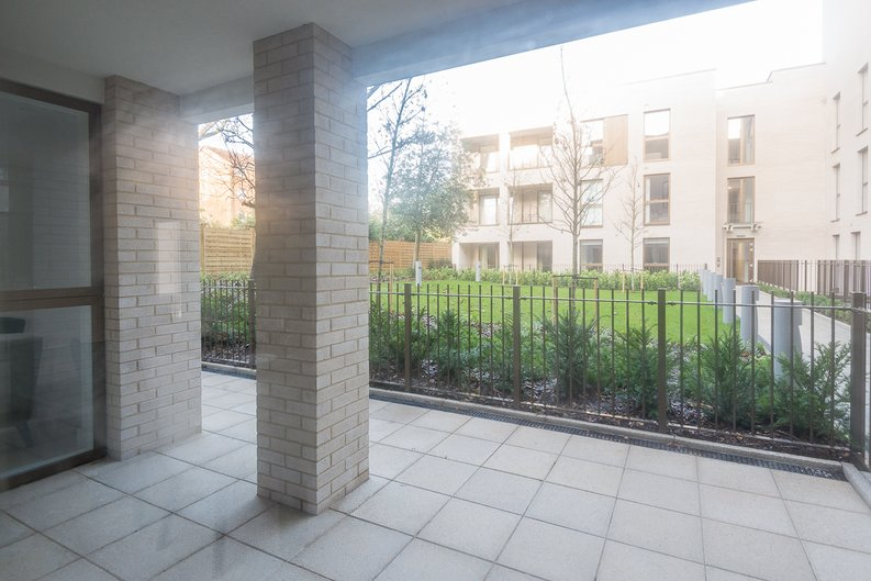 2 bedroom(s) apartment to sale in The Avenue, Brondesbury Park, London-image 13