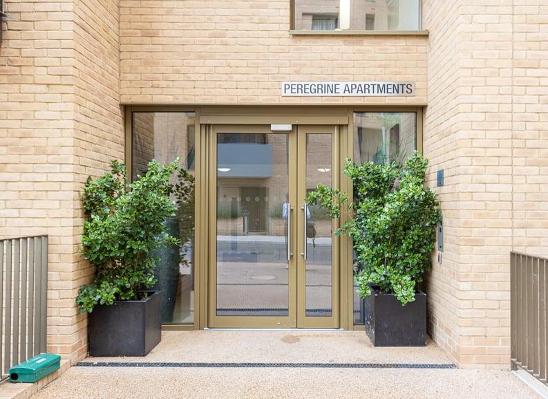 1 bedroom(s) apartment to sale in Moorhen Drive, London-image 9