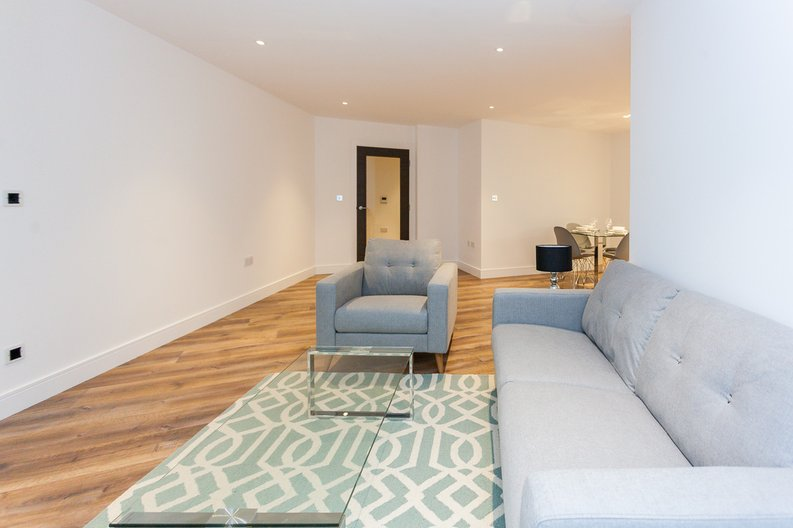 2 bedroom(s) apartment to sale in Quartz House, Dickens Yard, 12 New Broadway, Ealing-image 9