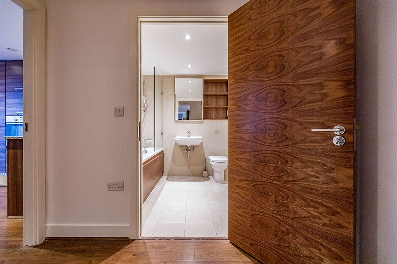 2 bedroom(s) apartment to sale in Napier House, Bromyard Avenue, Napier West, London-image 9