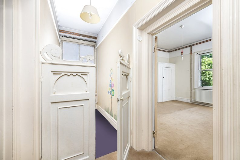 5 bedroom(s) apartment to sale in Rosslyn Mansions, Goldhurst Terrace, South Hampstead, London-image 9
