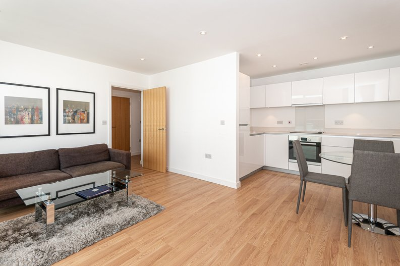 1 bedroom(s) apartment to sale in Waterside Apartments, Goodchild Road, London-image 6