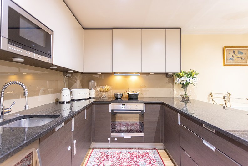 2 bedroom(s) apartment to sale in Boulevard Drive, London-image 7