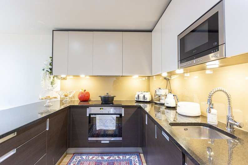 2 bedroom(s) apartment to sale in Boulevard Drive, Colindale, London-image 2