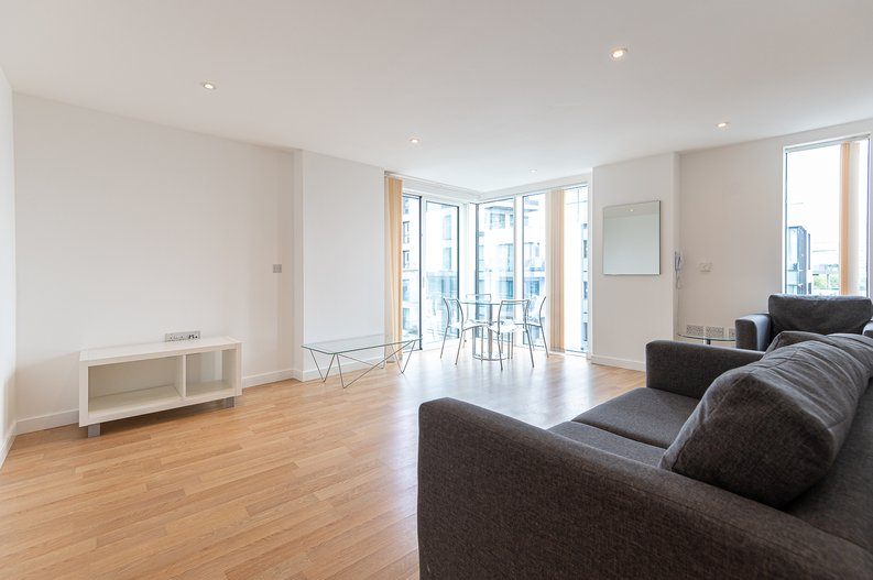 2 bedroom(s) apartment to sale in Goodchild Road, Woodberry Down, London-image 11