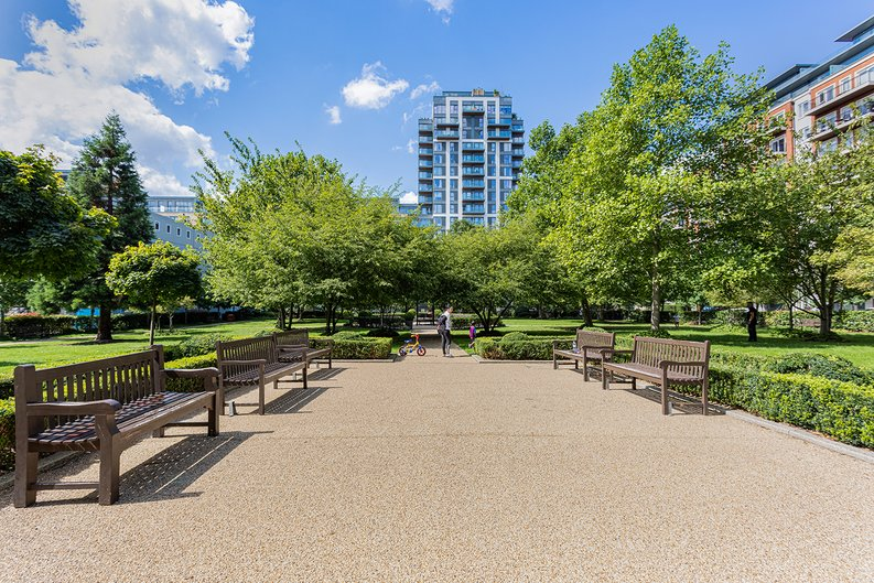3 bedroom(s) apartment to sale in Boulevard Drive, Colindale, London-image 31