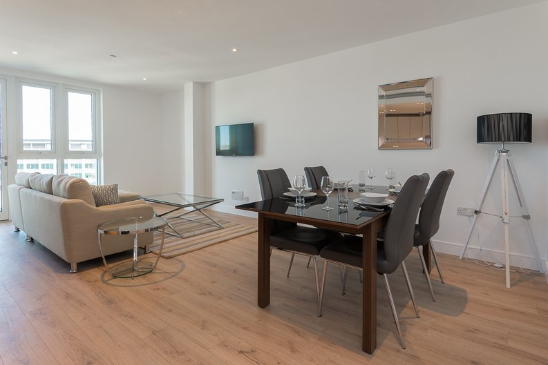 2 bedroom(s) apartment to sale in Lancaster House, Soverigen Court, Hammersmith , London-image 1