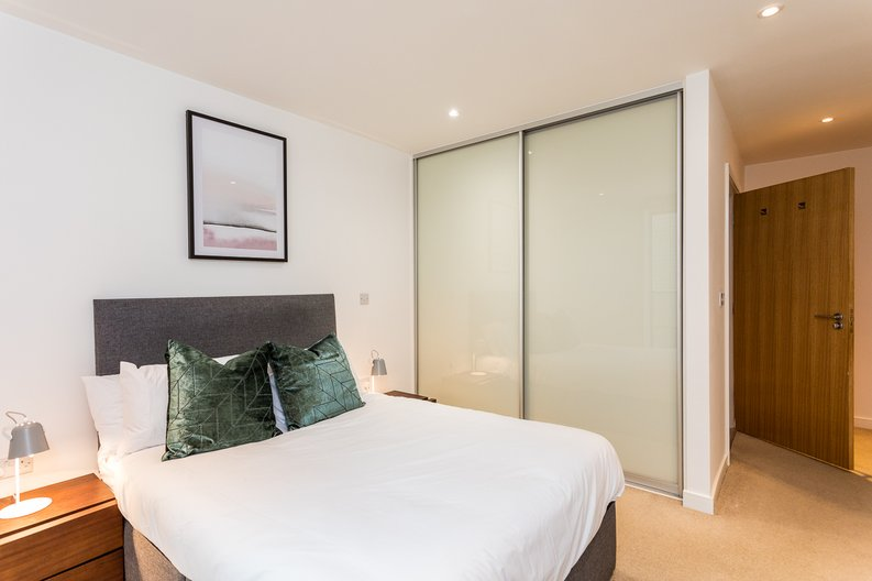 2 bedroom(s) apartment to sale in Riverside Apartments, Goodchild Road, Woodberry Down, Manor House-image 7