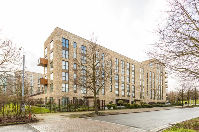 2 bedroom(s) apartment to sale in Bodiam Court, Park Royal-image 17
