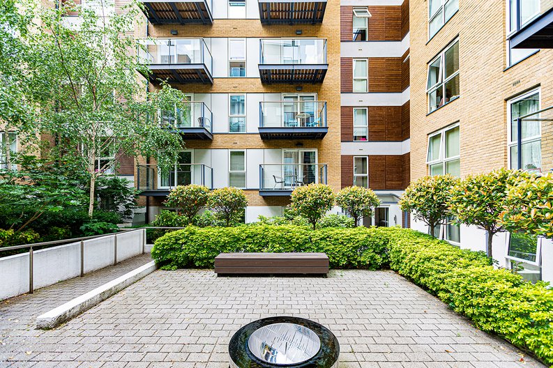1 bedroom(s) apartment to sale in Bromyard Avenue, Napier West, London-image 11