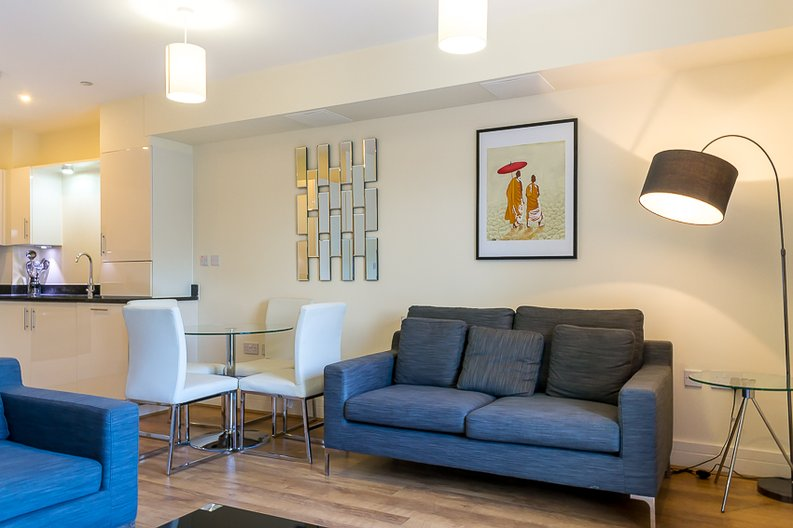 1 bedroom(s) apartment to sale in Braham Court, Blagrove Road, Greater London, Teddington-image 2
