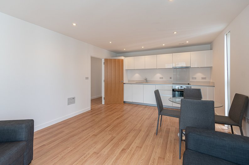 2 bedroom(s) apartment to sale in Goodchild Road, Woodbury Down, London-image 17