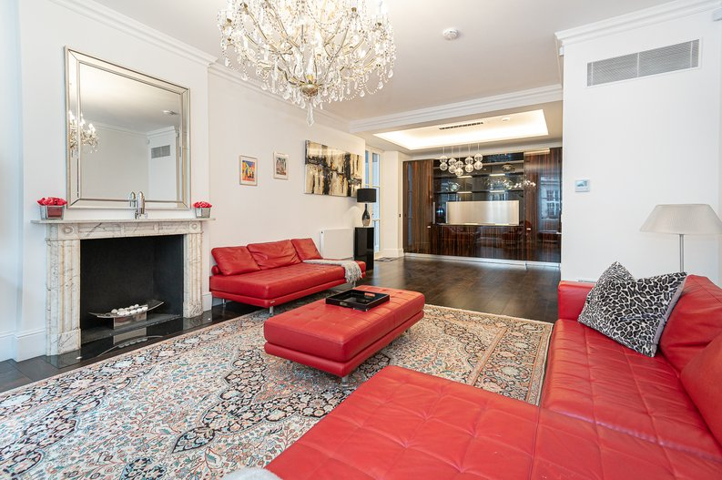 2 bedroom(s) apartment to sale in Park Street, Mayfair, London-image 11