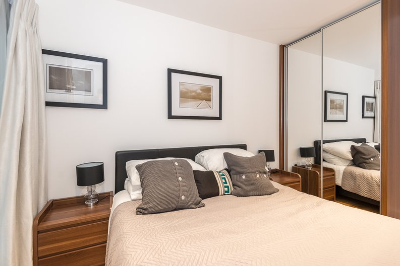 1 bedroom(s) apartment to sale in Fitzroy House, Dickens Yard, Ealing-image 6