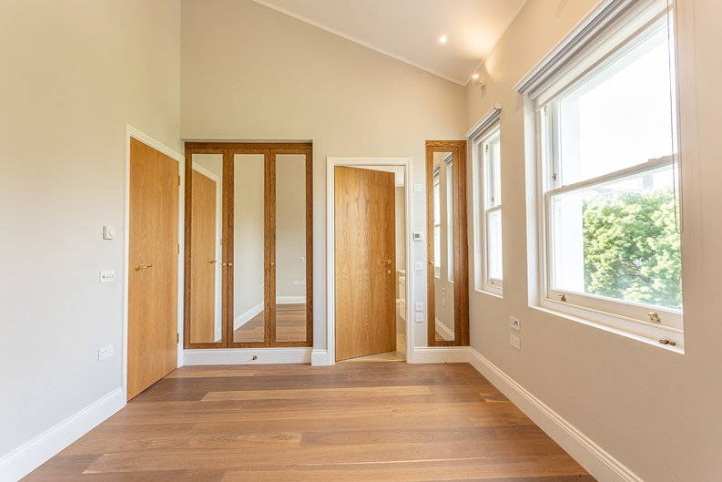 3 bedroom(s) apartment to sale in Greville Road, St. John's Wood Borders, London-image 5