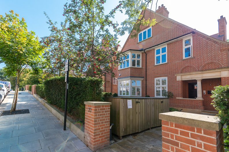 4 bedroom(s) apartment to sale in Kidderpore Avenue, Hampstead, London-image 18