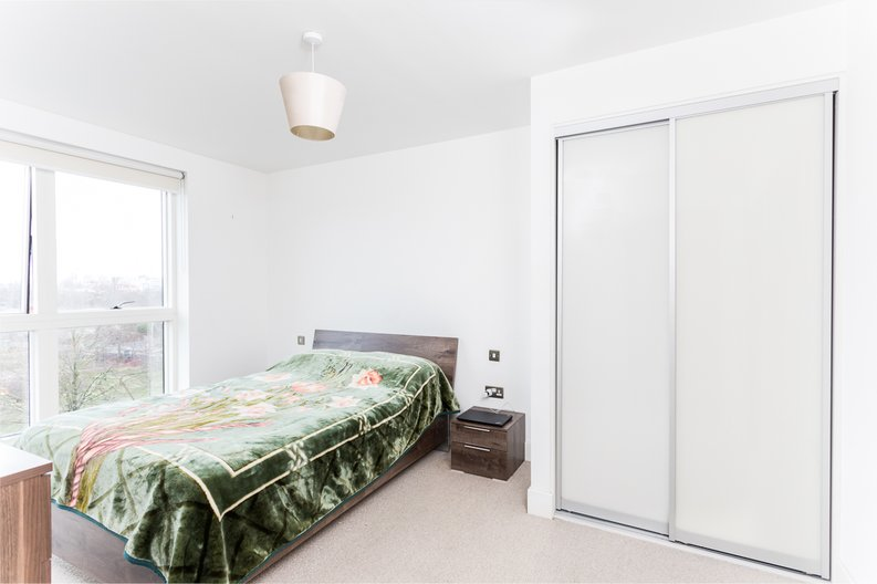 2 bedroom(s) apartment to sale in Bodiam Court, Park Royal-image 6