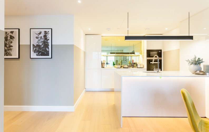 2 bedroom(s) apartment to sale in Fountain Park Way, London-image 14