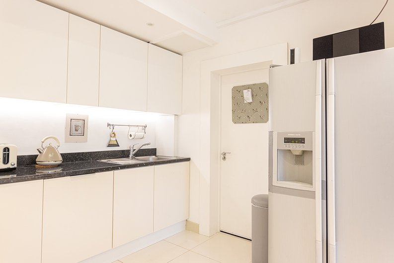 4 bedroom(s) house to sale in Hale Lane, Mill Hill, London-image 8